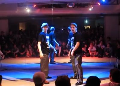 【盛り上り過ぎ!】POP界を揺るがすCrazyRollersの2人のダンスがほんまにヤバイ!!