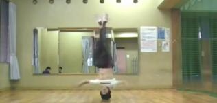 【ブレイクダンス】ヘッドスピン-技のやり方・コツ・練習方法の動画講座-