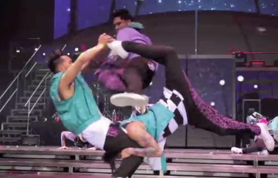 【ダンスを超えた!】もはやアクロバット集団!クエストクルーの一流パフォーマンスを見よ!!
