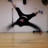 【ブレイクダンス】エアートラックス-技のやり方・コツ・練習方法の動画講座-